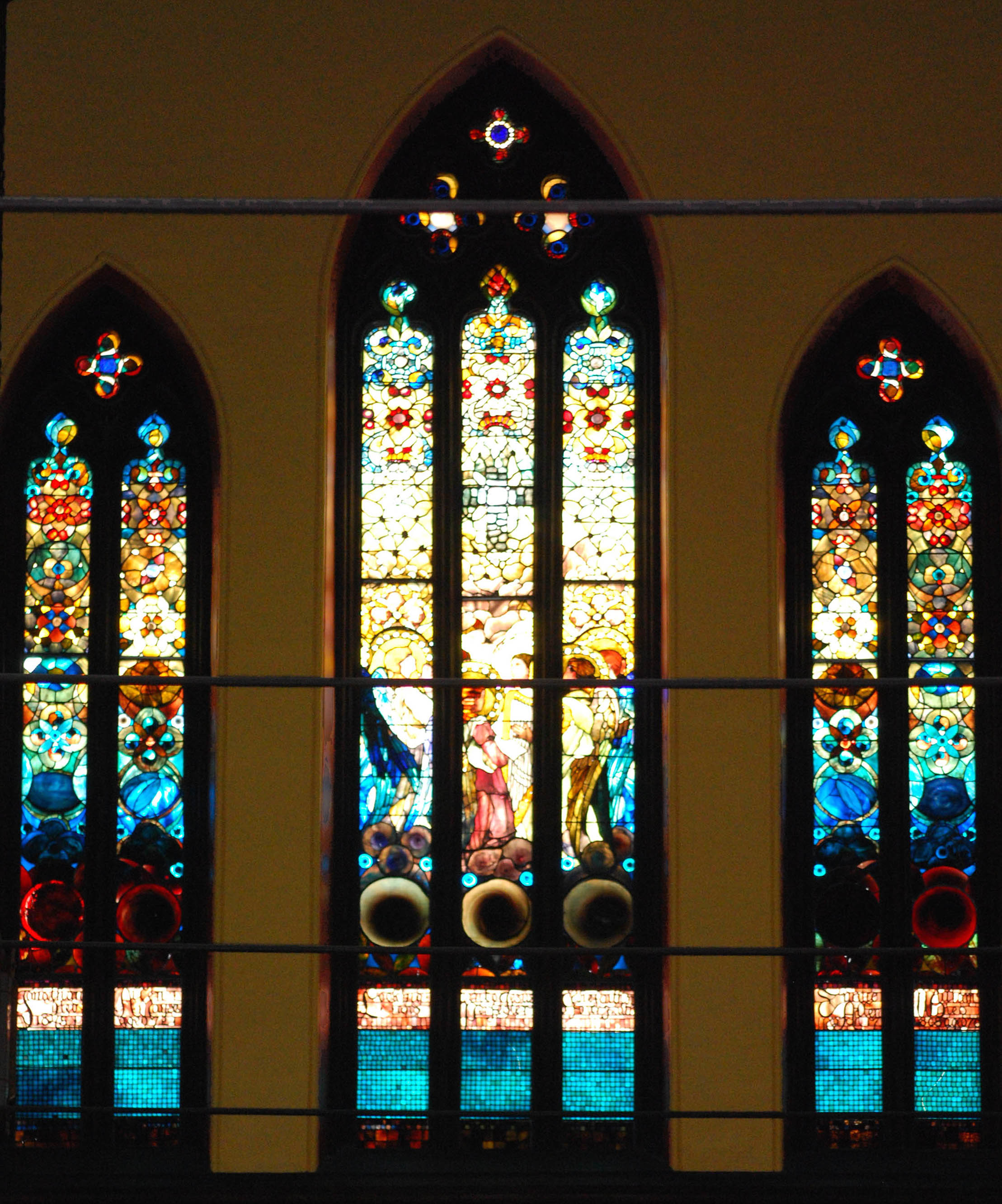 9d82b9881e5 Tiffany window in Pittsfield church illuminates White House commission